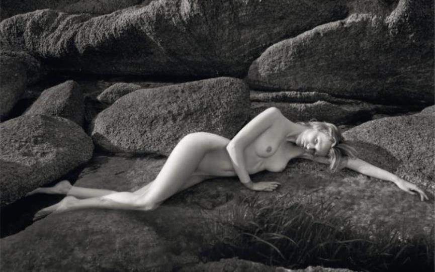 Classy Nudity? Pirelli Calendar and Retrospective Coming Up!