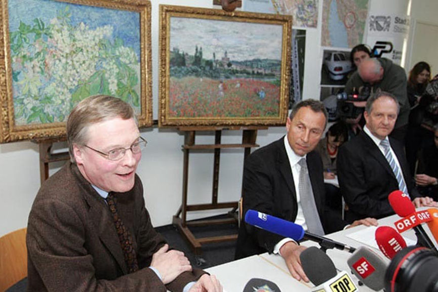 march 2013 was a time of breaking news of a form of crime in which museum property is taken away