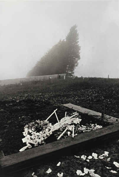 Robert Frank-San Francisco (Chinese Cemetery)-1956