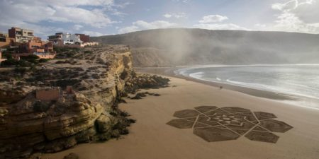 Sam Dougados - Olo Naima Star - Image courtesy of the artist - sand beaches drawings