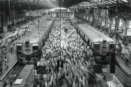 Sebastiao Salgado-Churchgate Station, Bombay, 1995-1995