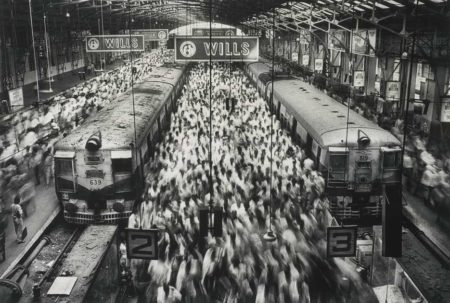 Sebastiao Salgado-Churchgate Station, Bombay, India-1995