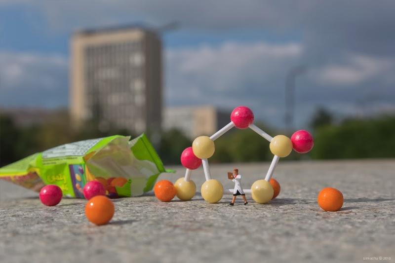 street art, installation, Slinkachu, outdoors