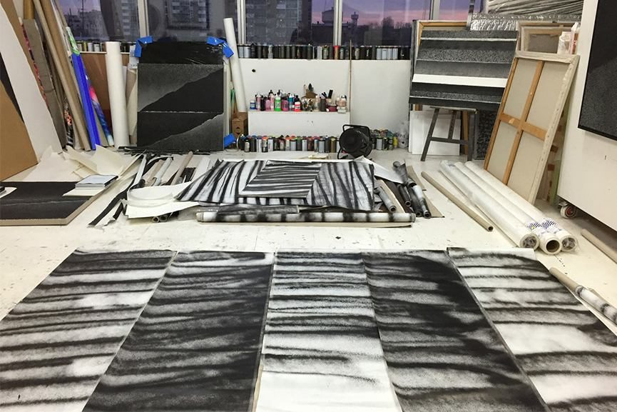 monochrome spray abstraction by tancrede perrot coming to david bloch gallery widewalls. Black Bedroom Furniture Sets. Home Design Ideas