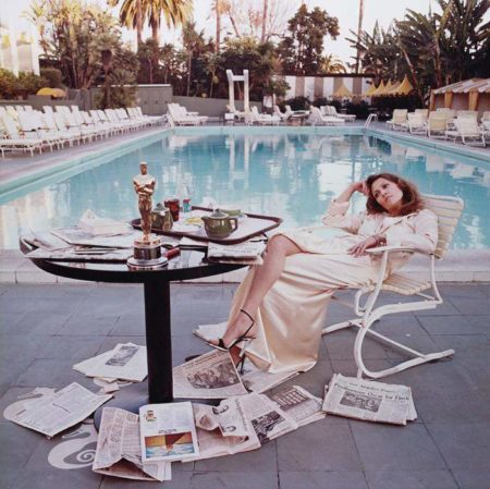 Terry O'Neill-Faye Dunaway at the Beverly Hills Hotel-1977
