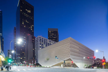 Thriving Los Angeles Art Scene - New Spaces, Posh Crowds