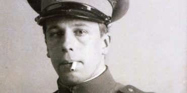 Theo van Doesburg - Photo of the artist in his uniform - Image via wikipediaorg