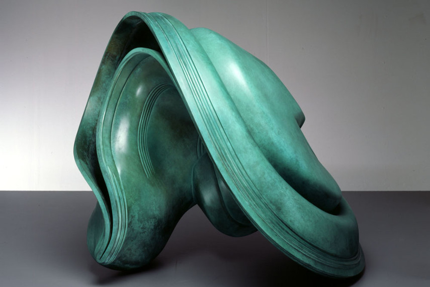 from 1988 - 2012 and 2014 - 2015 british news art tony cragg won a prize in wuppertal london