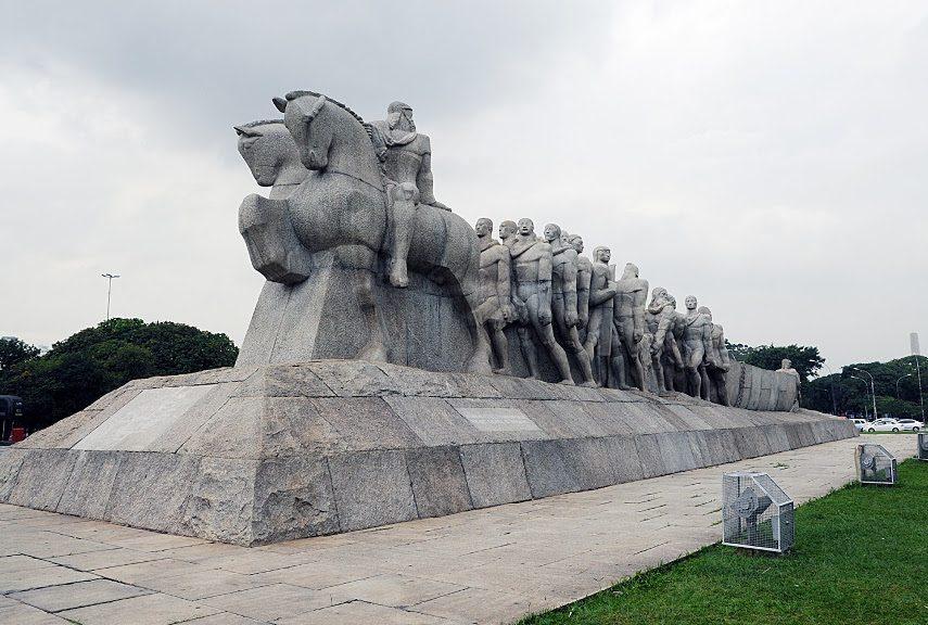 Victor Brecheret - Monumentos - Image via bpcom