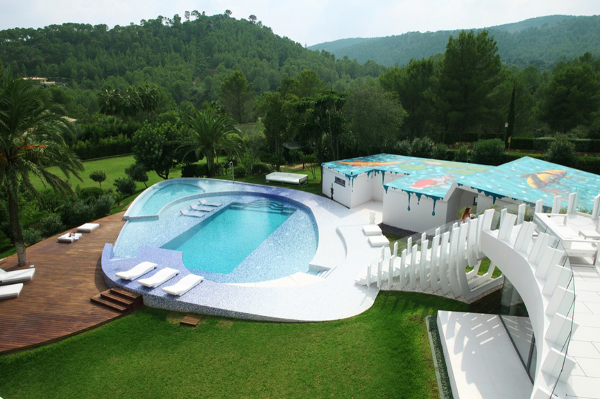Casa Son Vida Pool and Artwork