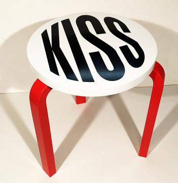 Untitled (Kiss) (2019)