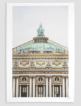 Ballet, Regard Surplombant la Facade due Palais Garnier, Opera de Paris, France 2014 *