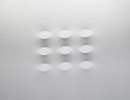 9 ovali bianchi