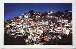 28 Millimetres, Women Are Heroes - Action dans la favela Morro da Providencia, nightview