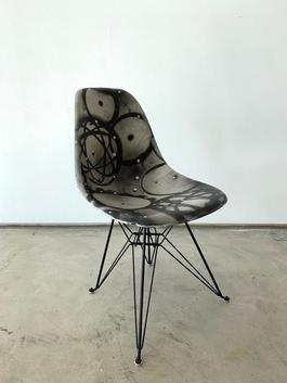 FUTURA Case Study® Side Shell Eiffel Chair