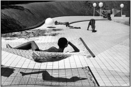 Swimming pool (by Alain Capeilleres)