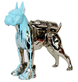 Cloned bronze bulldog with bottle water