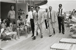 Frank Sinatra and Bodyguards, Miami Beach