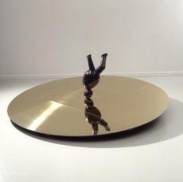 Eggy sculpture, upside down