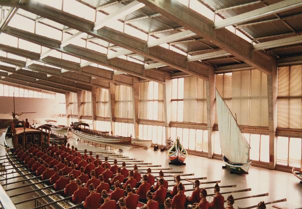 Candida Hofer-Marine-Museum Lissabon I-1989