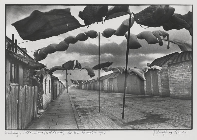 Humphrey Spender-Washday, Bolton (Workland), 1937 Wasteland, Bolton (Workland), 1937 Unemployed, Tyneside, 1936-1937
