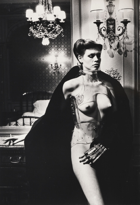 Helmut Newton-Jane Kirby, Avenue Kleber, Paris-1978
