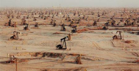 Edward Burtynsky-Oil Fields #1, Belridge, California-2002