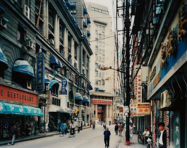 Thomas Struth-Jiangxi Zhong Lu, Shanghai-1996