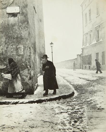 Roman Vishniac-Isaac Street, Krakow-1938