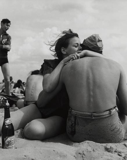 Morris Engel-Coney Island Embrace, New York City-1938