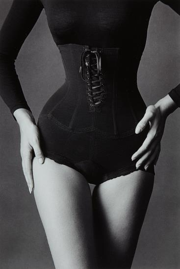Jeanloup Sieff-Corset, New York-1962