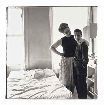 Diane Arbus-Two friends at home, NYC-1965