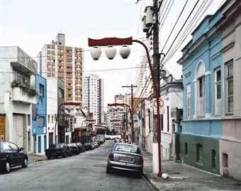 Thomas Struth-Rua Fagundes, Sao Paolo-2001