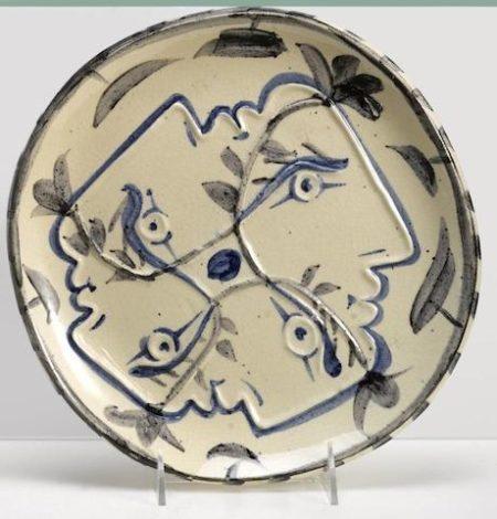 Pablo Picasso-Four enlaced profiles-1949
