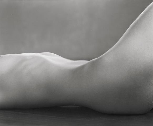 Edward Weston-Torso (Nude Study of Miriam Lerner)-1925
