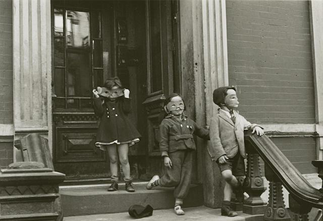 Helen Levitt-N.Y.C., Masked Children-1939