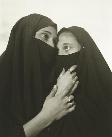 Andres Serrano-Istanbul (Sisters)-1996