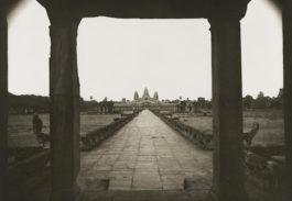 Kenro Izu-Light Over Ancient Angkor-1996