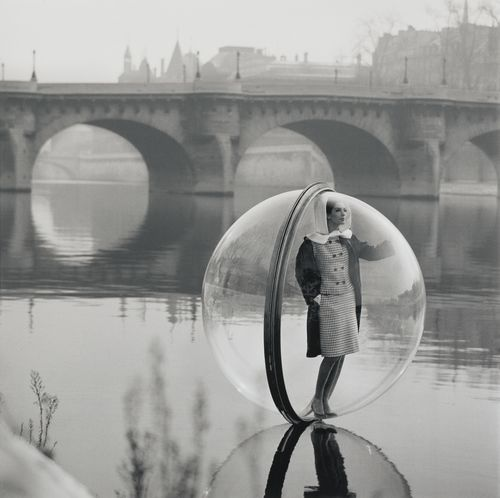 Melvin Sokolsky-Bubble On The Seine, Paris-1963
