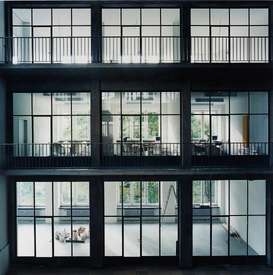 Candida Hofer-Milchhof Nurnberg I-1999