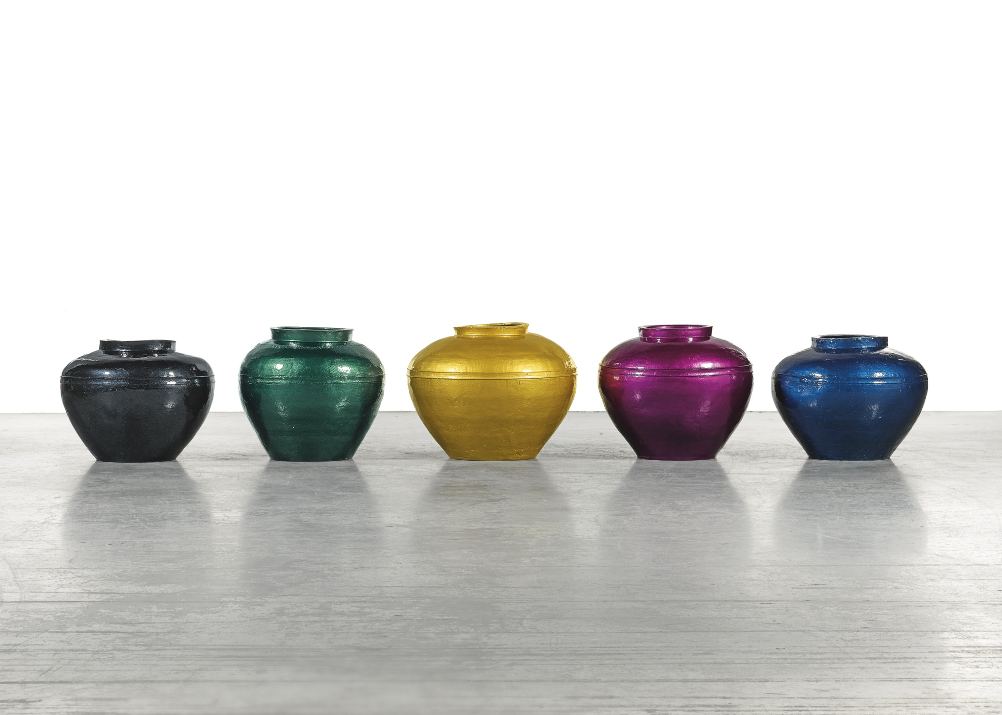 Ai Weiwei-Han Dynasty Vases In Auto Paint-2014