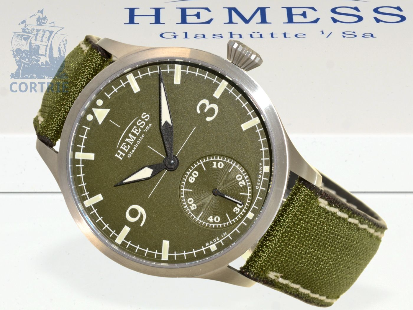 Wristwatch: high-class Glashütte pilot's watch Pilotuhr Hemess, reference A01094, unused, with original box and certificates-