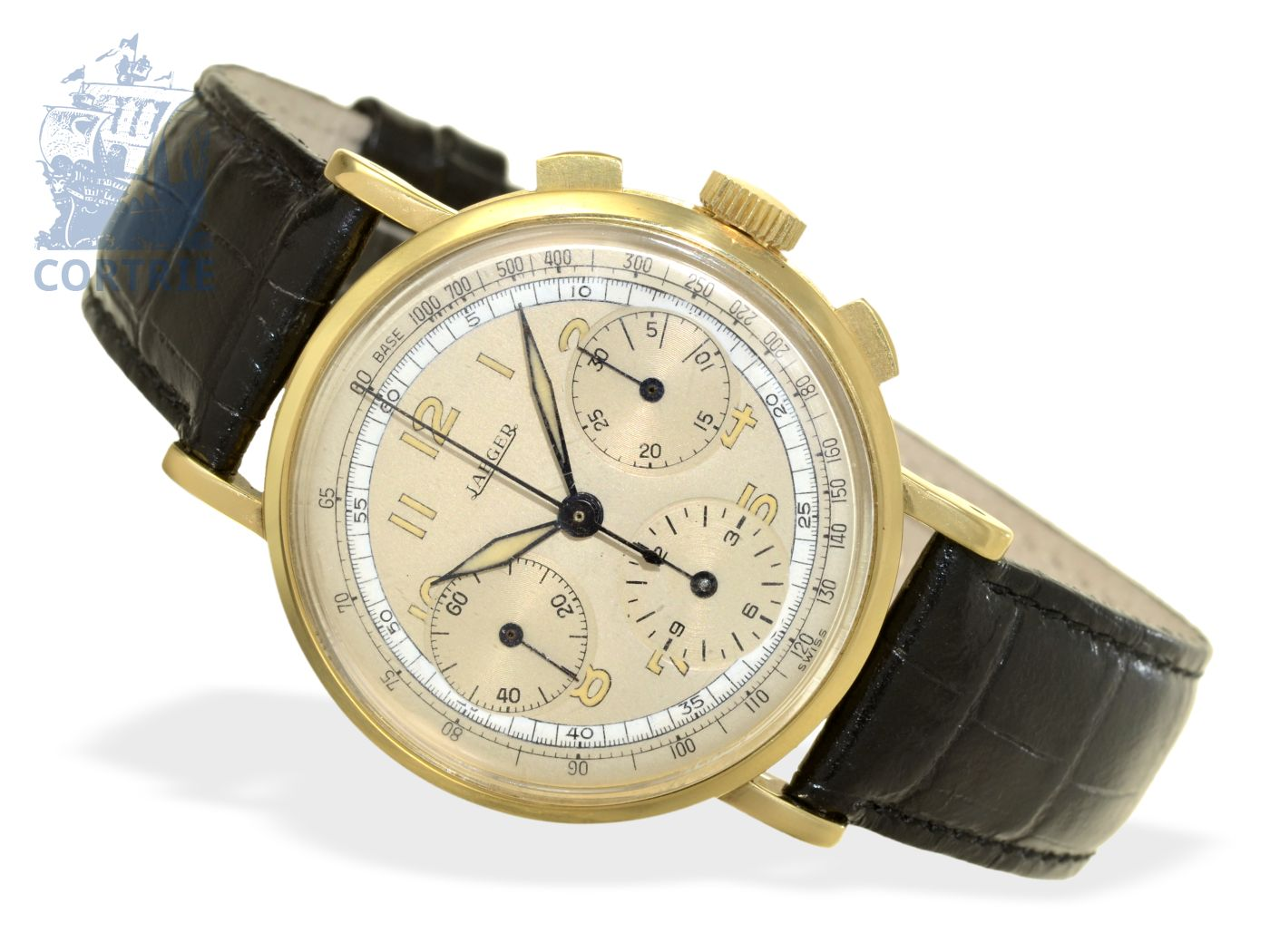 Wristwatch: big and rare 18 K gold chronograph, signed Jaeger, ca. 1940-