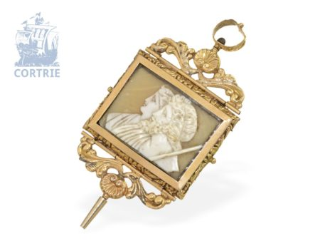 Watch key: rare and big verge watch key with cameo, 18 K gold, France ca. 1800-