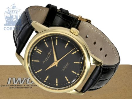 Wristwatch: one of the earliest IWC Ingenieur Ref.766A with black dial, no date, rare 14 K gold case with steel back, Schaffhausen 1953/54-