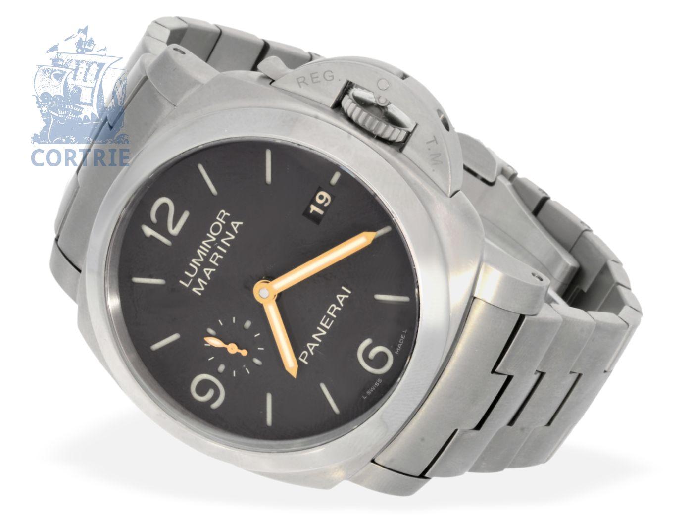 Wristwatch: very rare titanium Panerai Luminor Marina with black dial, limited to 500 pieces, ca. 2008-