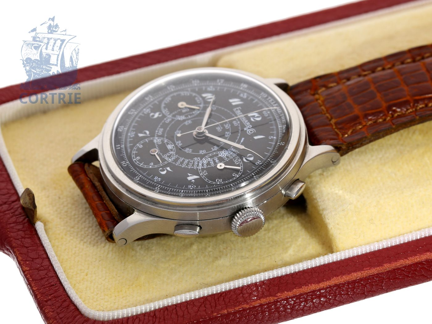 Wristwatch: extremely rare and big Eberhard steel telemeter chronograph with black enamel dial, from the 40s-