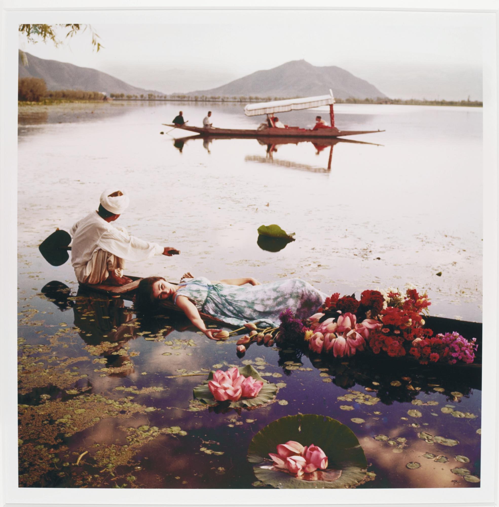 Norman Parkinson-Barbara Mullen Floating With Flowers Kashmir India Vogue 1956 Barbara Mullen Pale Cool Of Kashmir India Vogue 1956-
