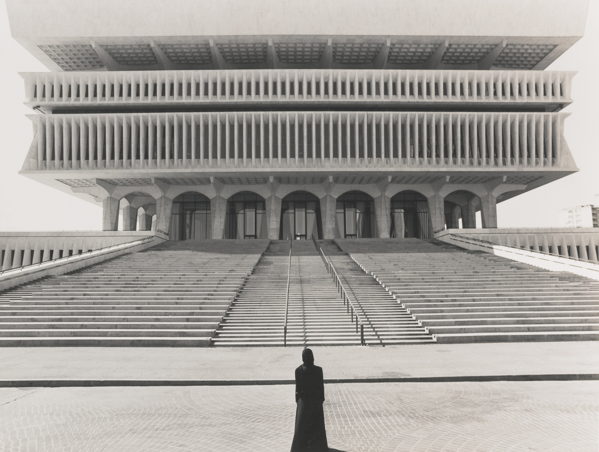 Shirin Neshat-Untitled (From The Soliloquy Series)-1999