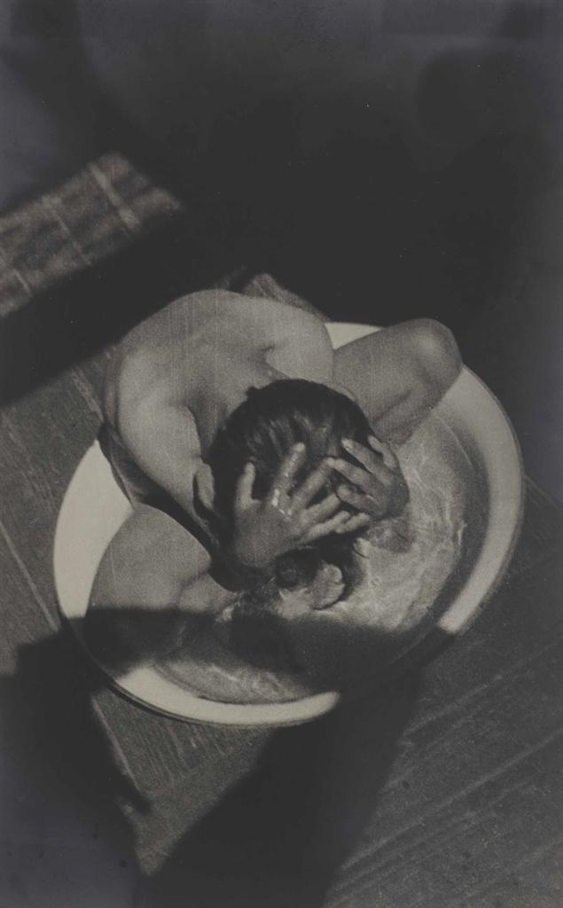 Alexander Rodchenko-Morning Wash (Varvara Rodchenko)-1932